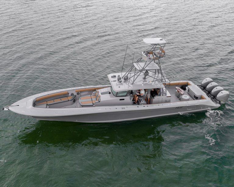 53-Hydrasport-Suneos-Boat