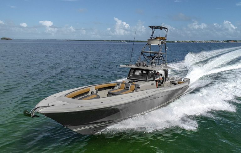 53-Suenos-Center-Console-Boat