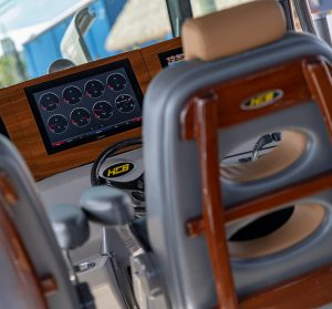 Center-Console-Fishing-Boat-1