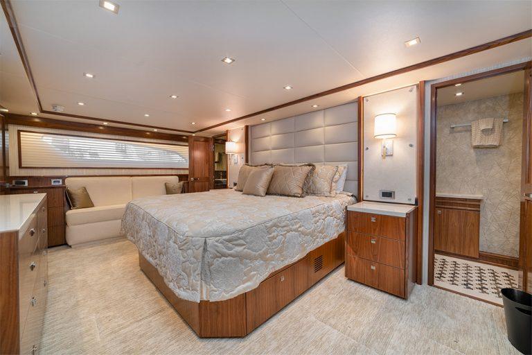 Viking-Yachts-Master-Stateroom