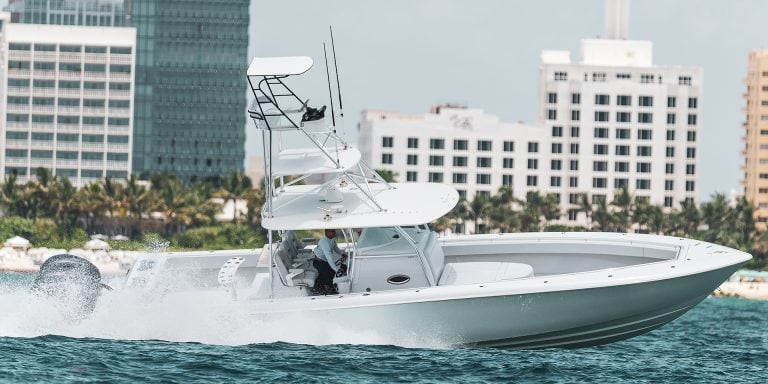 Contender 44 st Center Console Fishing Boat